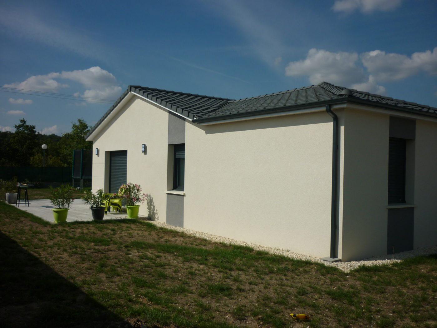 Bonne maison constructeur de maisons charente for Maison constructeur